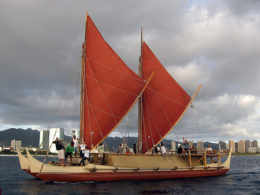 hokulea-sailing-off-honolulu