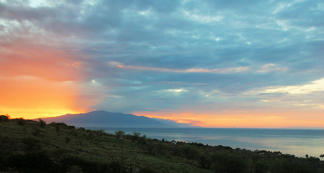 sunrise-over-maui