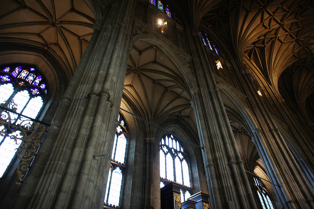 cantebury-cathedral-arches-in-the-nave