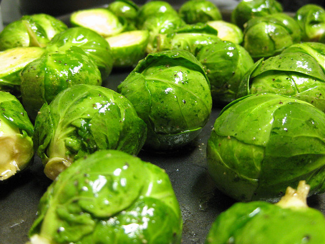 brussel-sprouts-before-roasting