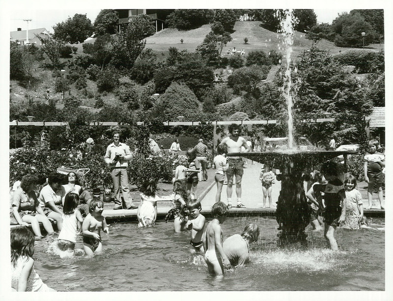 waterfountain-swimming